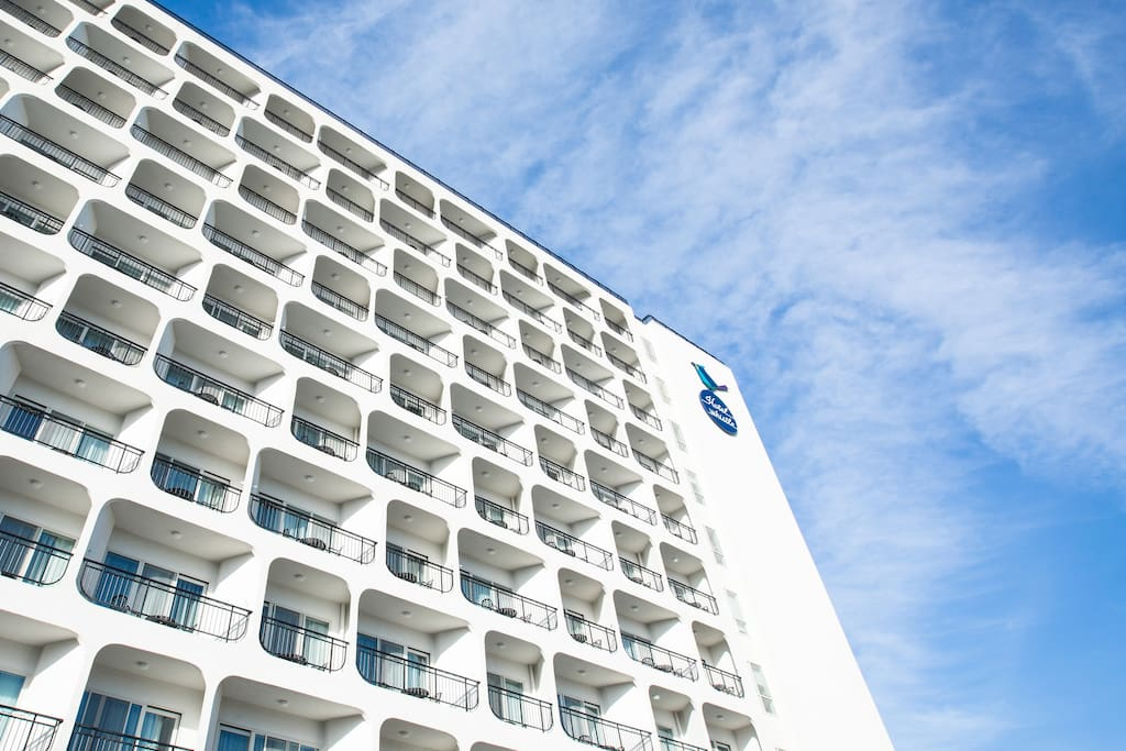 HOTEL WHISTLE LARK (호텔 휘슬락)