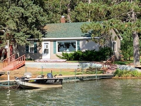 Northwoods Paradise Retreat on Lake Sissabagama!