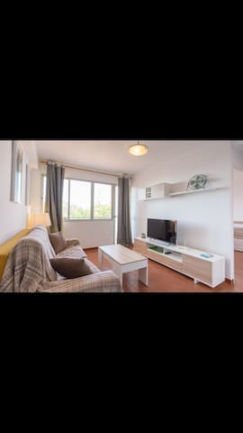 Central Apartment Close to Beach and Calle San Miguel with Balcony, Wi-Fi & Air Conditioning
