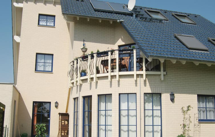 Holiday apartment with 2 bedrooms on 90m² in Putbus