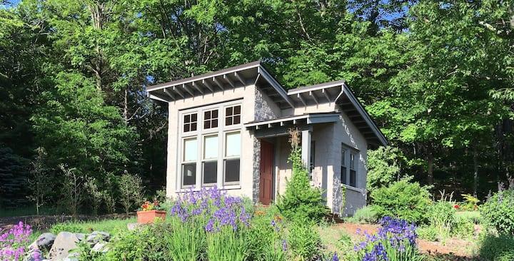 Good Harbor Tiny House - Six Miles S. of Leland
