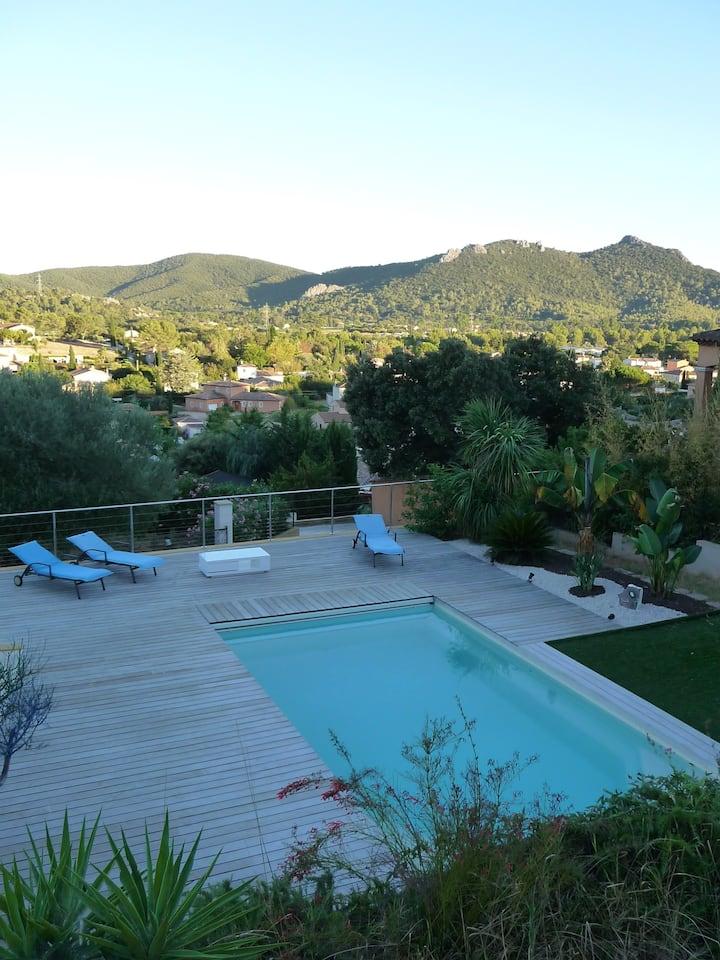 Haut de villa climatisée, piscine et cascade