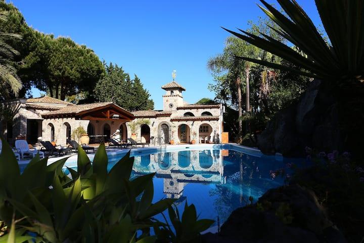 A stunning holiday villa in Sicily
