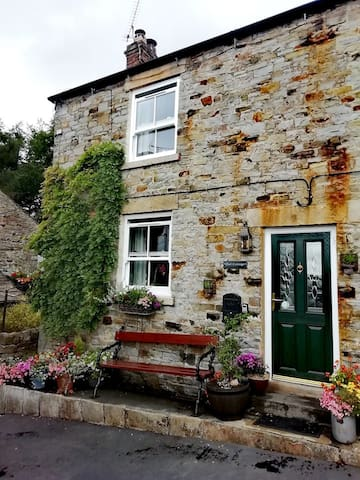 Romantic Couple's Bolthole in the Durham Dales