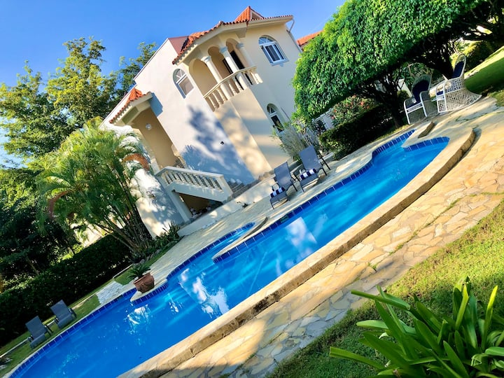 Natura Beach 4 bed/4.5 bath villa with pool