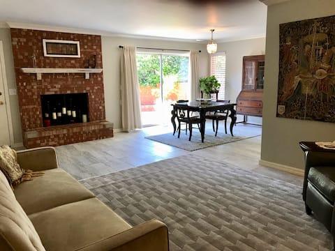 Sunlight Suite -private duplex in OKCity FAB House