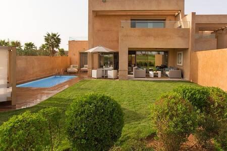 Superbe Villa sur le Golf Montgomérie - Marrakech. - マラケシュ - 別荘