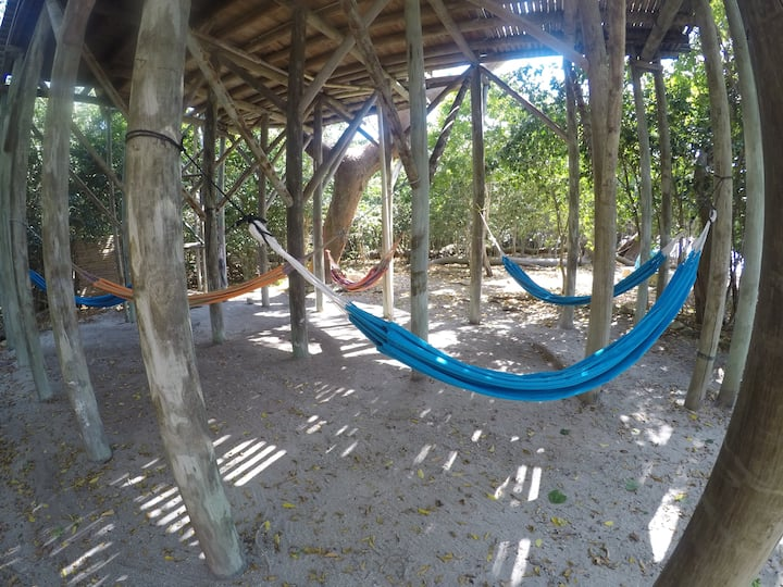 MISTICA ISLAND HAMMOCK FOR 1 /SHARED SPACE
