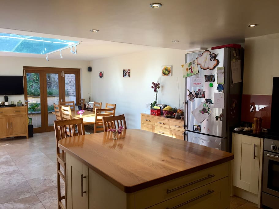 Kitchen and garden room
