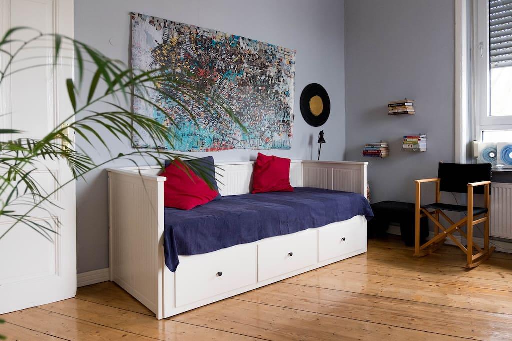 stilvolle 3 zimmer altbau wohnung in bornheim wohnungen zur miete in frankfurt hessen. Black Bedroom Furniture Sets. Home Design Ideas