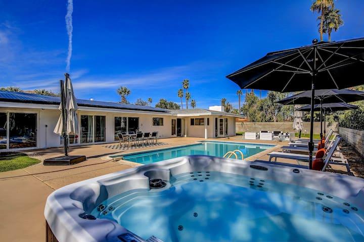 Modern Oasis in Palm Desert