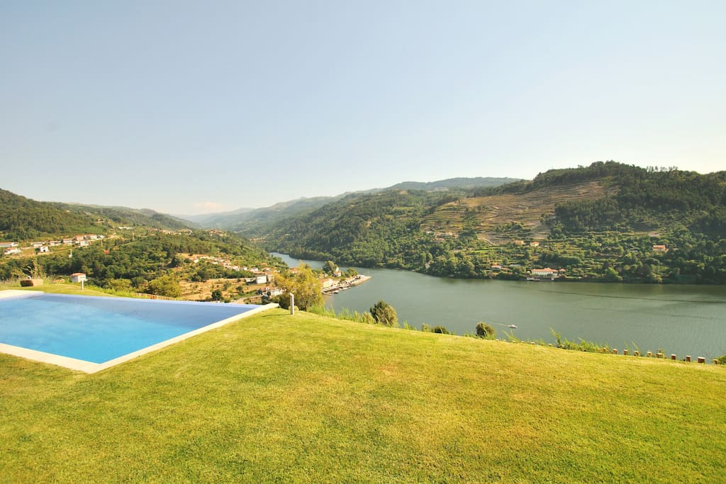 Stunning Uninterrupted Views of the river Douro near Porto
