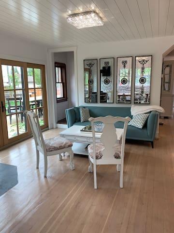 Sylvan Lake Executive Cottage