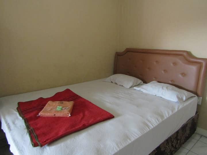 Family Budget Room (FAN) at Hotel Bakti