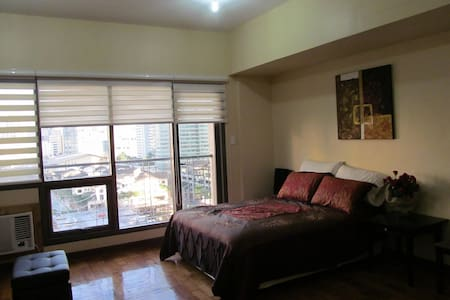 Fully Furnished Condo with Amazing View of Makati - Makati