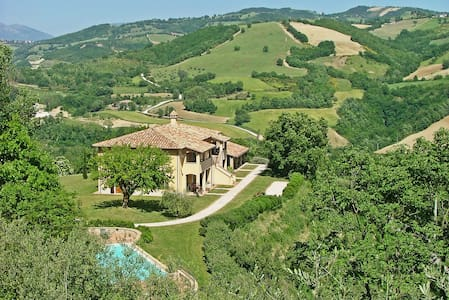 Agriturismo Castagna Alta - La Mora - Valfabbrica