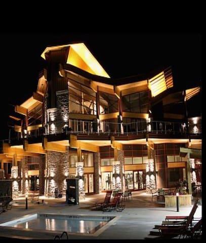 Luxury Penthouse Condominium - West Kelowna