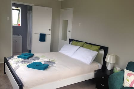 Close to Airport - Private Room - Auckland