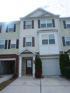 Best Deal Spacious 2 Bed/ 2.5 Bath Townhouse - Mableton