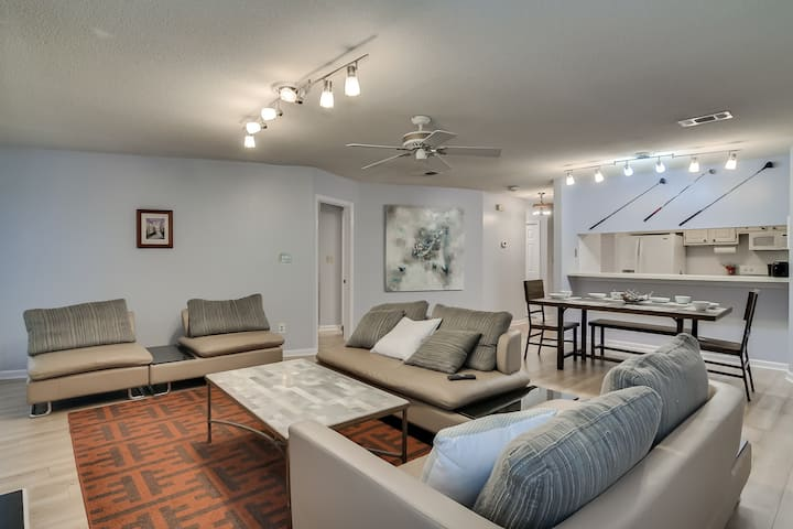 Comfy Apt, 2.5 miles from the Masters!
