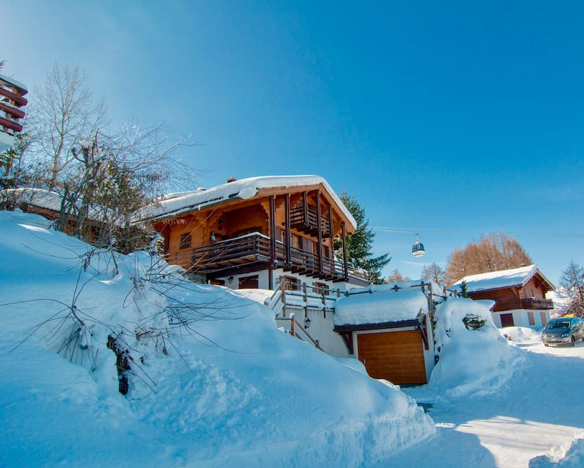 Chalet Lisa ski-in ski-out chalet in Haute Nendaz part of the 4 Valleys ski network