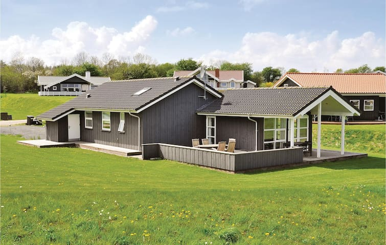 Holiday cottage with 3 bedrooms on 96m² in Nordborg