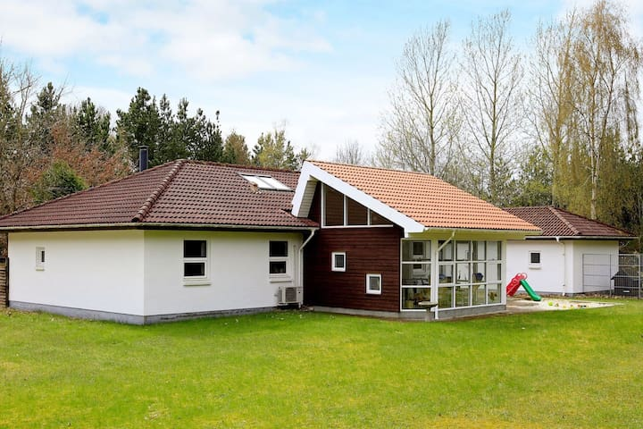 8 person holiday home in Højslev