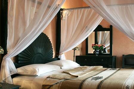 Chambre avec lit à baldaquin - Marrakesh - Guesthouse