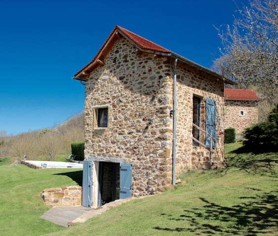 CHARMING DOVECOTE WITH HEATED SWIMMING POOL - Saint-Rémy - Hus