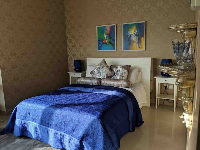 Elegant en-suit  bedroom /excellent location Dubai