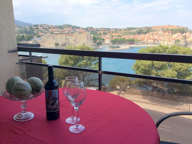 Stunning View Of Collioure Bay From Luxury Studio