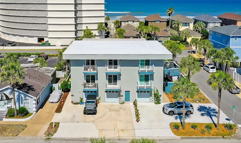 Newly Listed Private Suite Steps from the Beach!