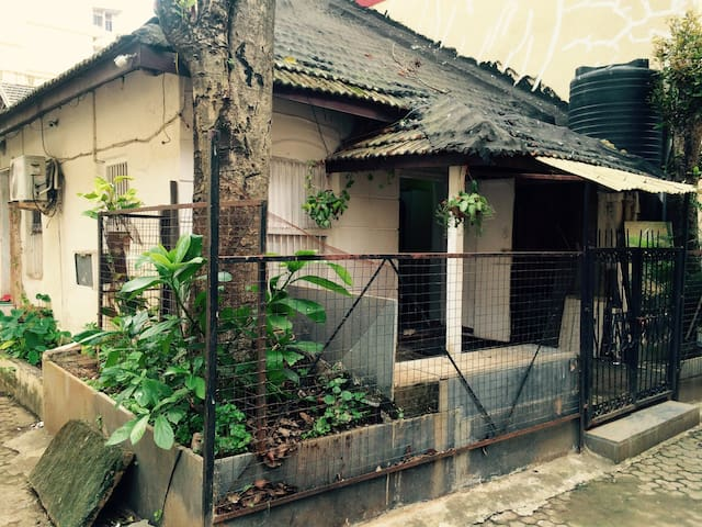 House at Bandra- Carter road. - Mumbai  - Huis