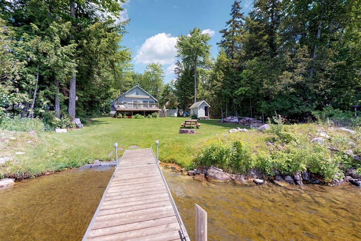 NEW LISTING! Lakefront cabin w/ easy water access and an outdoor firepit!