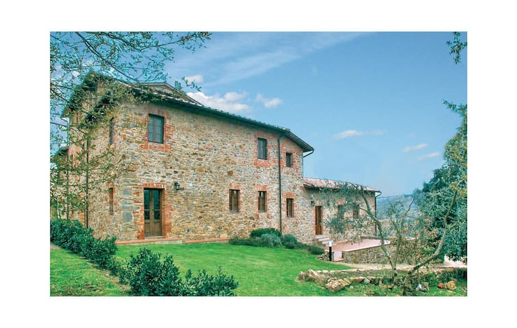 Holiday apartment with 2 bedrooms on 85 m² in Castelnuovo B.ga SI