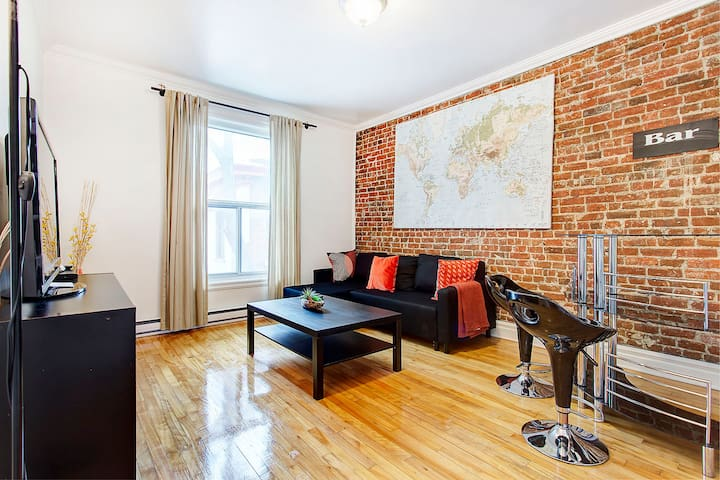 3 Bedroom In Downtown Montreal Apartments For Rent In Montreal Quebec Canada