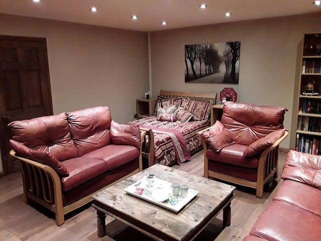 bright & spacious relaxing room with en-suite