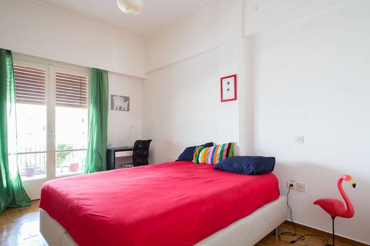 Cosy room for two in a fully equipped flat