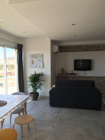 Appartement 3 pièces,neuf,belle vue - Le Rove - Huoneisto