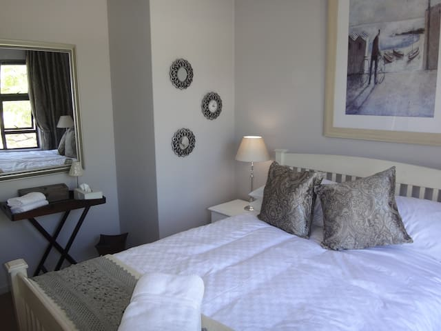 Central and Quiet Durbanville - Kaapstad - Appartement