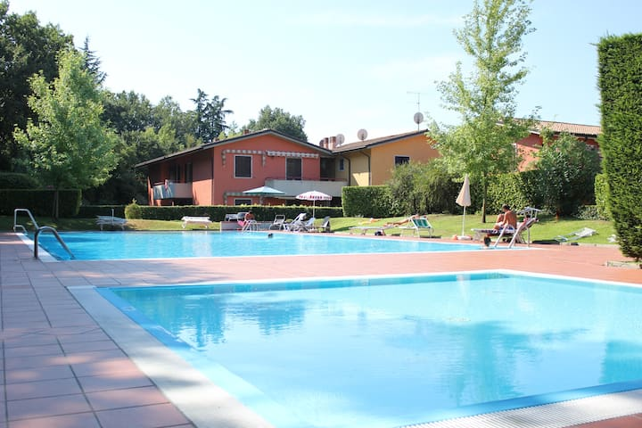 Lake Garda - Nice apartment with swimming pool - Colà - อพาร์ทเมนท์