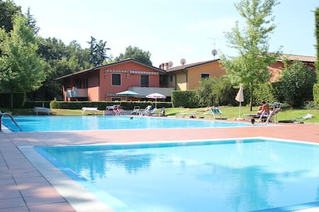 Lake Garda - Nice apartment with swimming pool