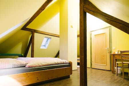 Charming Tower Room - Hochdorf-Assenheim - Maison