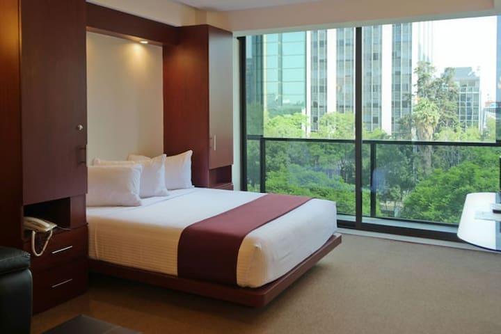 Full Suite. Amazing View. Hotel Amenities. K11