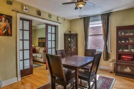 Heritage Home w/ Parking in the Heart of Westboro - Ottawa - Talo