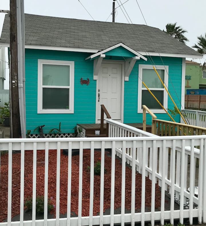 Red Crab Cottage.....come and get your vitamin sea