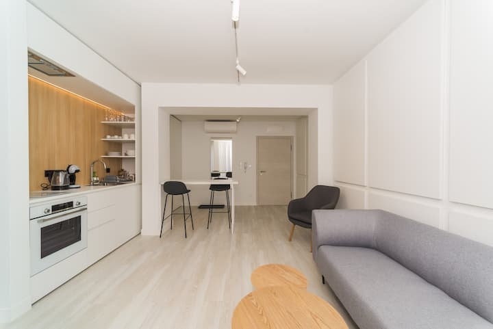 Real Apartment 27B
