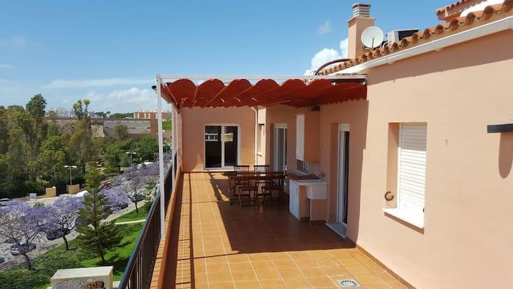 Fantastico Atico, luminoso, terraza wifi y jacuzzi