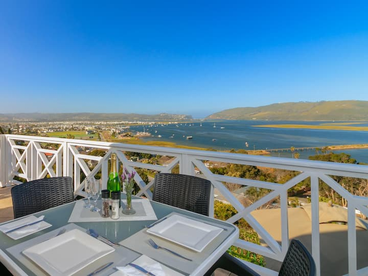 Lagoon Loft at 6 On Protea with Amazing Views