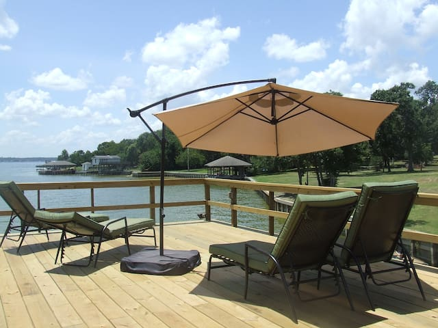 Waterfront home with private boat dock - Willis - Casa